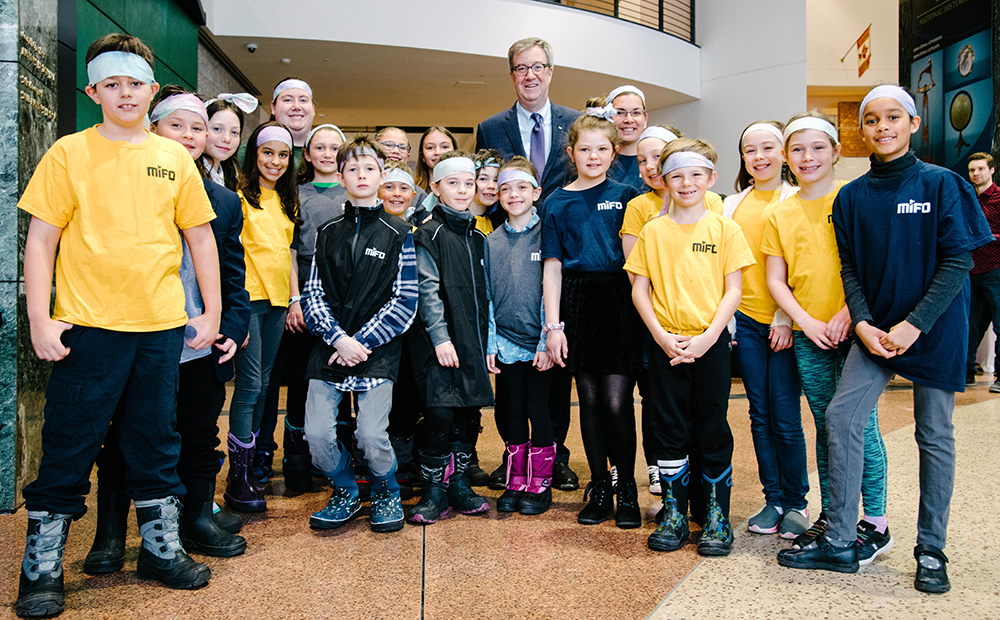 2020 Edition – Mayor, Jim Watson with Mifo summer camps students
