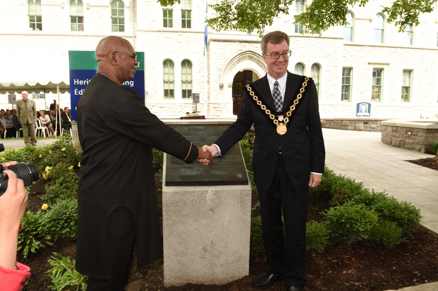 Mayor Jim Watson shaking hands with High Commissioner at Dedication Ceremony