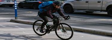 Une cycliste