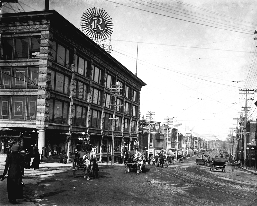 The Daly Building, which housed Ottawa's first department store c.1900-1905 (City of Ottawa Archives)