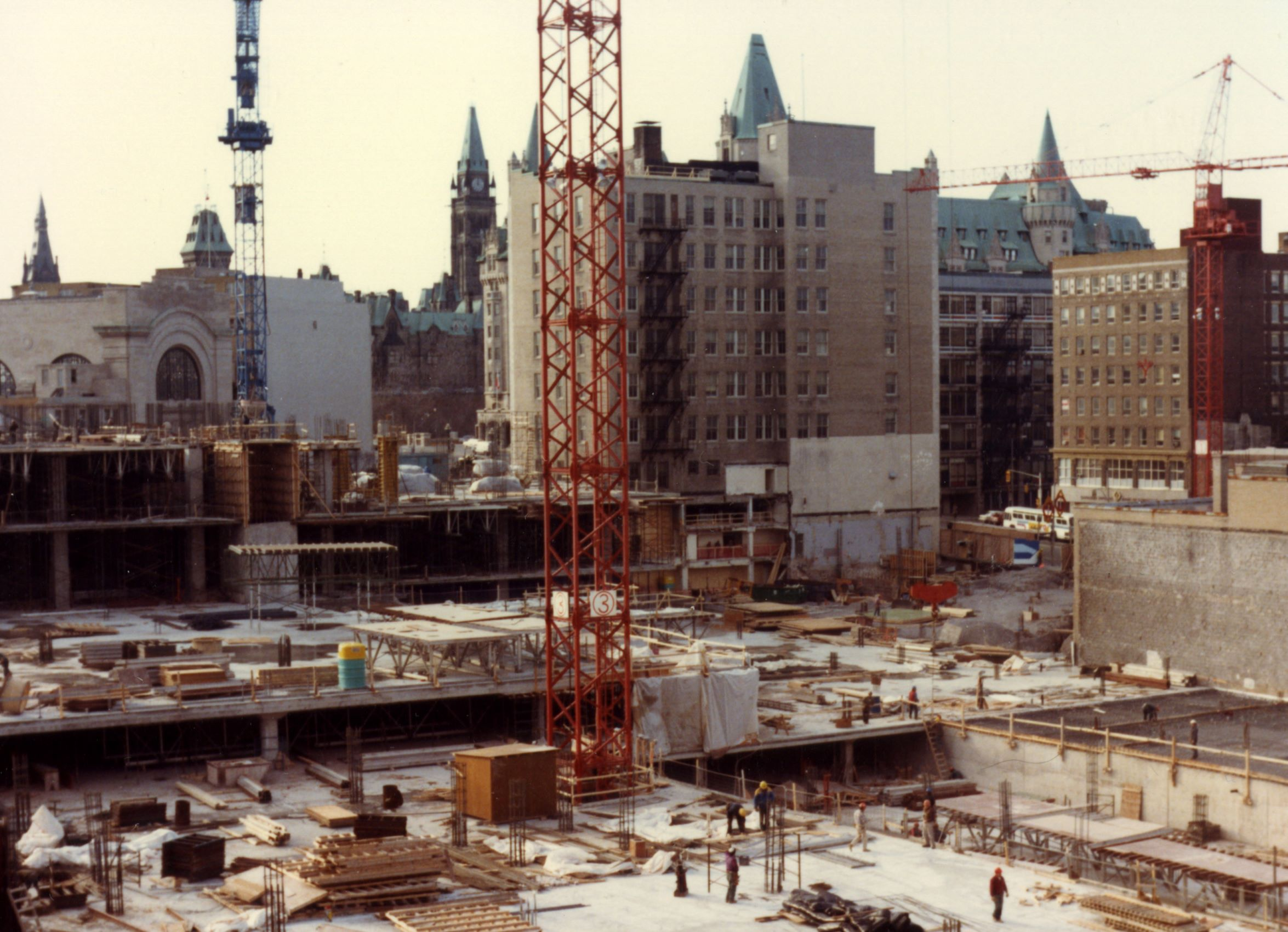 Construction of the Rideau Centre, 1981 (City of Ottawa Archives)