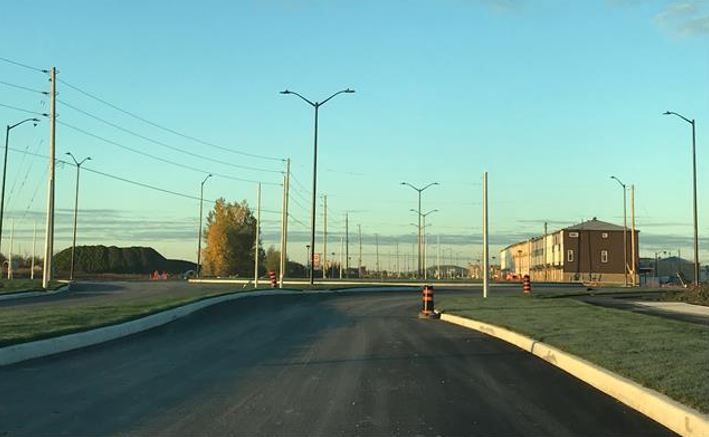 View of Winterset roundabout looking west