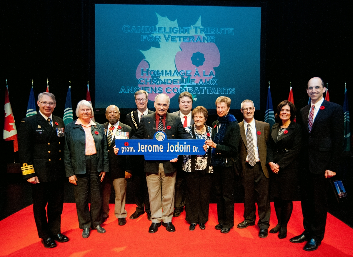 Vice-Admiral P.A. Maddison, Councillor Marianne Wilkinson, Mr. Gus Este, His Worship Jim Watson, Mr. Gary Jodoin, Councillor Rick Chiarelli, Mrs. Fran Jodoin, Councillor Diane Holmes, Councillor Keith Egli, Councillor Katherine Hobbs and The Honourable Stephen Blaney.